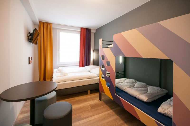 Familienzimmer mit Hochbetten im Hostel Berlin Kolumbus