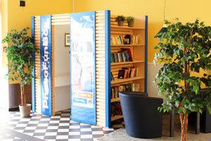 PhotoFunBox mit Bücher-Leihbibliothek, wie hier im AO Dortmund HBF