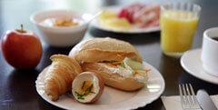 All-You-Can-Eat Frühstück bis Abendessen Buffet