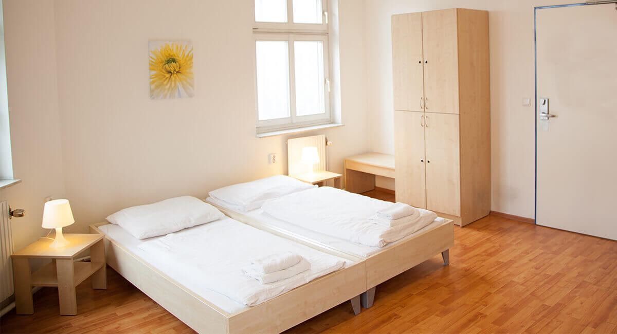 g nstiges hotel a o wien stadthalle in wien ab 9 bernachten. Black Bedroom Furniture Sets. Home Design Ideas