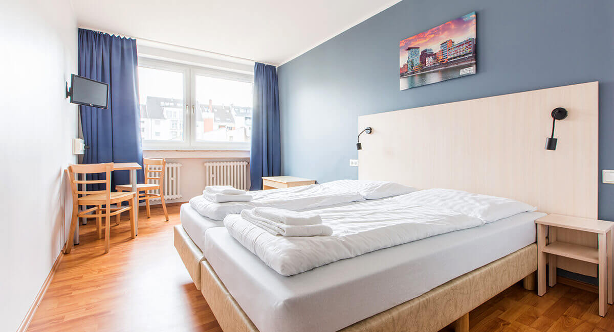 cheap hotel a o d sseldorf hauptbahnhof dusseldorf from 9 night. Black Bedroom Furniture Sets. Home Design Ideas